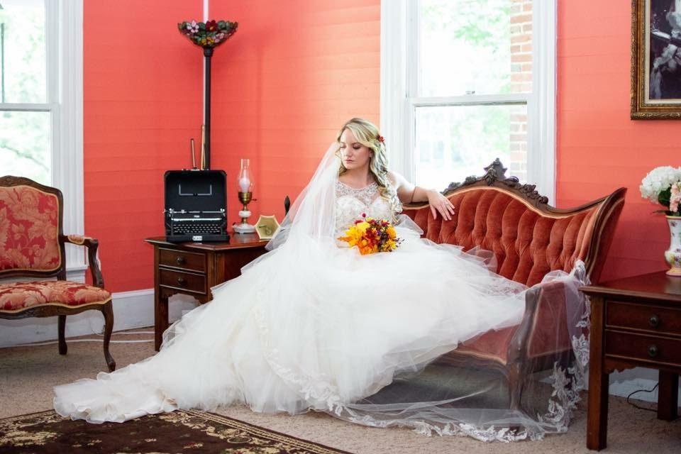 Bridal space, parlor, vintage wedding